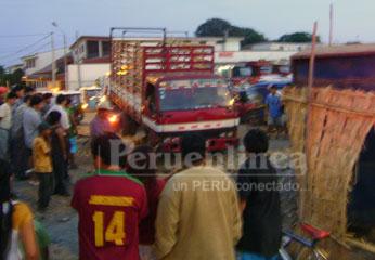 Los heridos fueron aplastados por el vehículo pesado. Foto Rogger la Chira