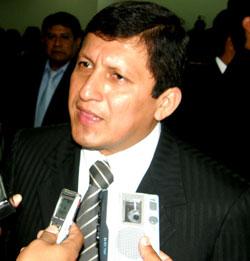 congresista  Víctor Islas Rojas