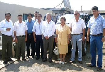 Alcalde de Barranca junto a representantes de agricultores de la región.