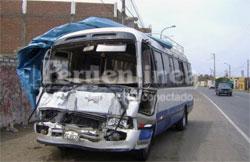 Así quedó el couster después del accidente.