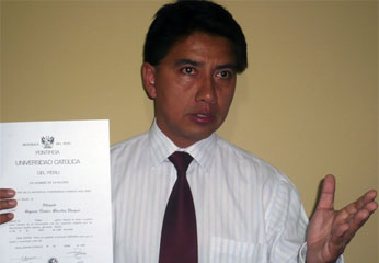 """Secretario general regional del movimiento """"Confianza Perú"""",  Vicente Sánchez Vásquez."""