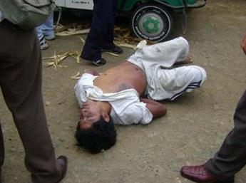 Mototaxista encontrado muerto dentro de su herramienta de trabajo