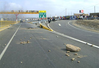 Pobladores en contra de la nueva carretera Panamericana Norte