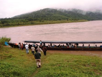 Las comunidades de la cuenca del río Ene carecen de suficiente personal en los servicios de salud y educación