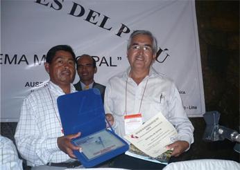 Alcalde de la Provincia de Barranca fue doblemente premiado