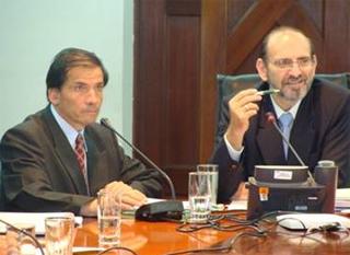 Coordinador Nacional de REMURPE Wilbert Rozas, y la Presidencia del Consejo de Ministros, el Premier Yehude Simon