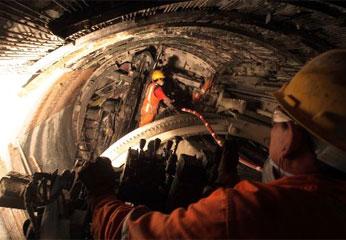 Trabajos de perforación del Túnel Trasandino del proyecto Olmos.