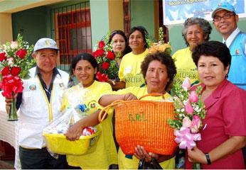 El Presidente Regional hizo entrega de canastas de víveres a las madres.