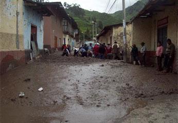 Las principales calles quedaron afectadas. Foto Sandro Reyes