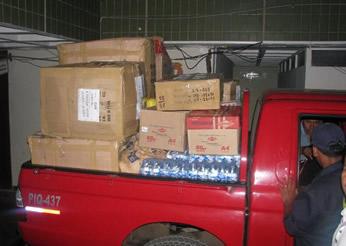 Camioneta presidencial con la ayuda para Cajatambo