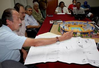 Fue durante una reunión informativa  a invitación del presidente regional, en la sala de reuniones de su despacho.