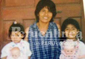 Foto recuerdo, Lilian Solís junto a sus dos hijas.