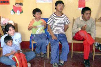 Pequeños de la institución educativa especial Niño Jesús de Supe Pueblo.