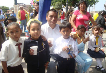 Alcalde  del Distrito de Huaura Sr. Jacinto Romero Trujillo