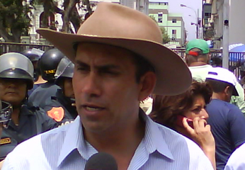 Alcalde de Cañete, Javier Alvarado Gonzáles del Valle.