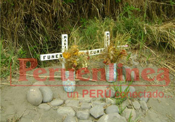 Lugar donde fue hallado los cuerpecitos, los familiares colocaron una cruz para cada una por creencia.