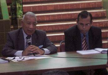 Dr. Carlos Celis y el dr. Víctor Mosqueira Neira