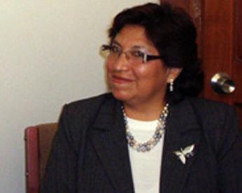 Elsa Oscuvilca rectora de la Universidad de Huacho