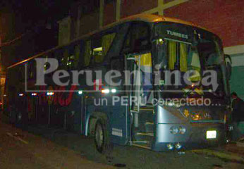 Los 54 pasajeros del bus Turismo Flores Hermanos fueron asaltados.