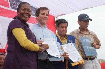 Se suscribió importantes convenios en beneficios de población de extrema pobreza.