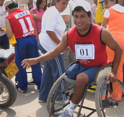 Carrera de sillas de rueda.