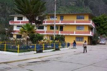 Plaza de armas de Yauyos.