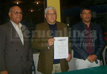 Conferencia  de prensa de los Directores Ejecutivos de Andahuasi, David Jiménez Sardón y Wilder Ruiz