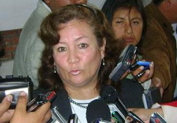 Directora Regional de Educación, Lic. Bertha Terrazas Duhaut.