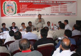 Integrantes del Consejo Regional de Lima en el distrito de Callahuanca.