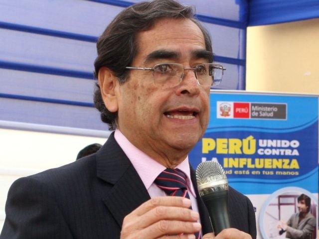 Óscar Ugarte Ministro de Salud.