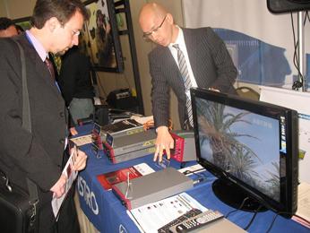 TV digital, que permite recibir señal única y múltiple en diversos receptores (televisores, computadoras, celulares, video juegos, etc.).