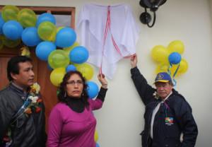 Presidente regional y la madrina de la obra Lidia Villena de Estela.