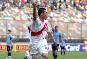El ´Charapa´ apareció a cinco del final para darle la victoria a una necesitada selección peruana que alcanza diez puntos en la eliminatoria. Foto RPP.