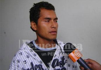 Alejandro Gallardo, hijo mayor pide a su padre que se entregue.