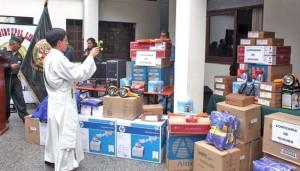 Nelson Chui, hizo entrega de equipos informáticos, impresoras, radios portátiles, linternas y casacas.