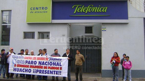 Paro de trabajadores de la empresa Telefónica del Peru de Huacho.