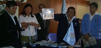 Alcalde Pedro Zurita felicitó felicitó al joven ajedrecista huachano Gary Barreto Coral.