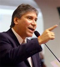 Aurelio Pastor Ministro de Justicia.